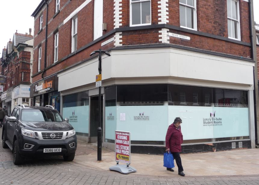 Ormskirk's cafe society is about to get bigger next month.    A new town centre cafe is currently taking shape over two floors of the former Samuels jewellers which has been empty for the past two years or so.            North Wales based 'Love to Eat' is planning to open in early February and is...