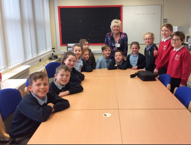 County Councillor Nikki Hennessy was welcomed into St Anne's School by the newly formed School's Council.     Members invited Nikki to have lunch with them and to share her experience as a councillor - and seek advice on how they can best support their fellow pupils.     She was also shown around...
