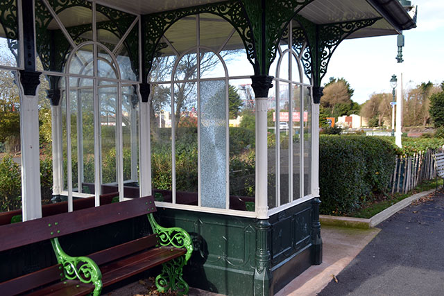 Once again vandals have struck in the Kings Gardens.Three of the recently restored Victorian shelters have had glass smashed.    Anyone with information is asked to call Merseyside police on 101 or Crimestoppers on 0800 555 111.