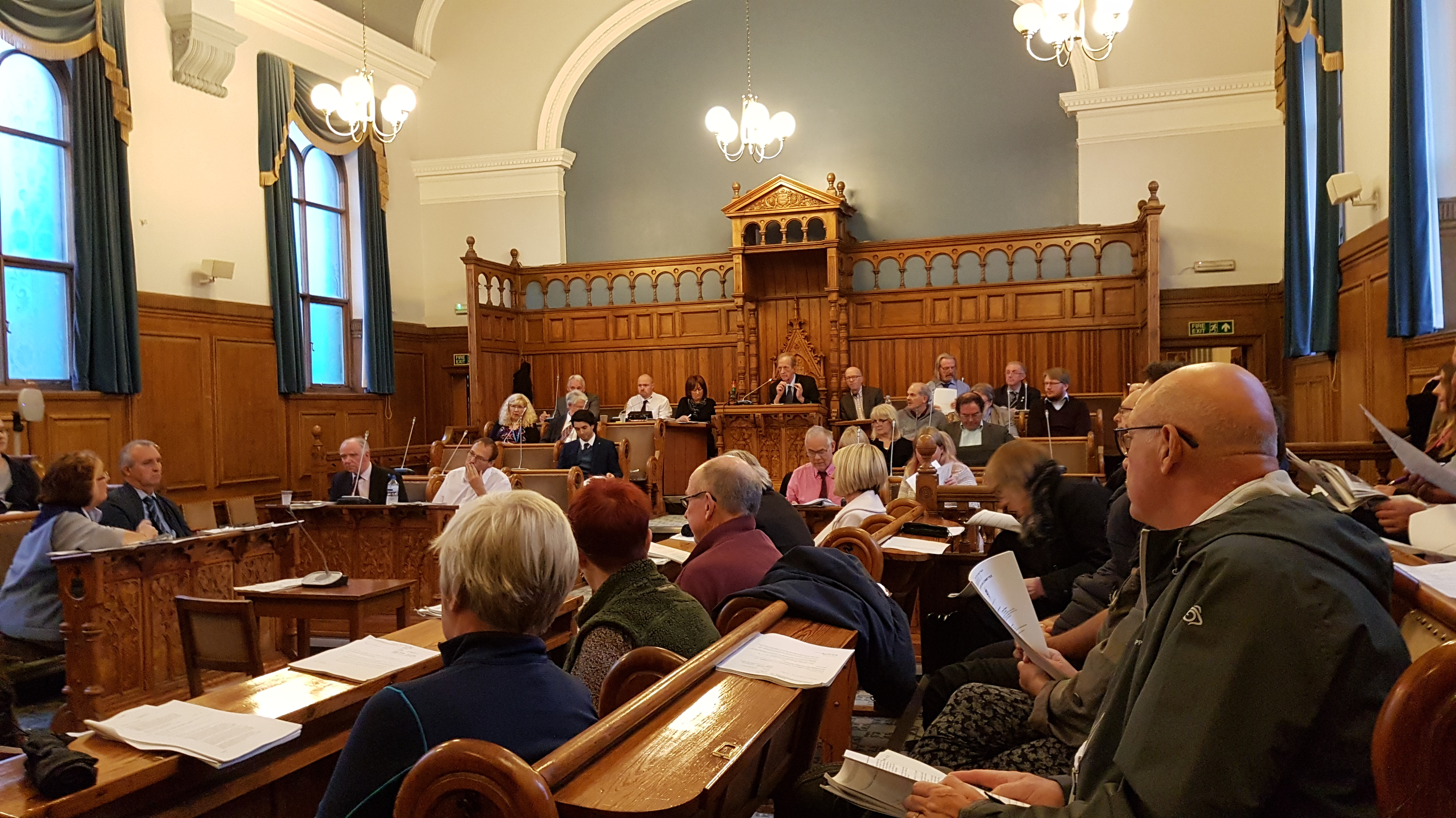Labour councillors have paved the way for a 5% pay rise for councillors next April by failing to support a move to limit any increase to the rate of inflation.    At the Sefton Council meeting held at Bootle Town Hall on Thursday evening 21st September, a Lib Dem move to exclude councillors from...