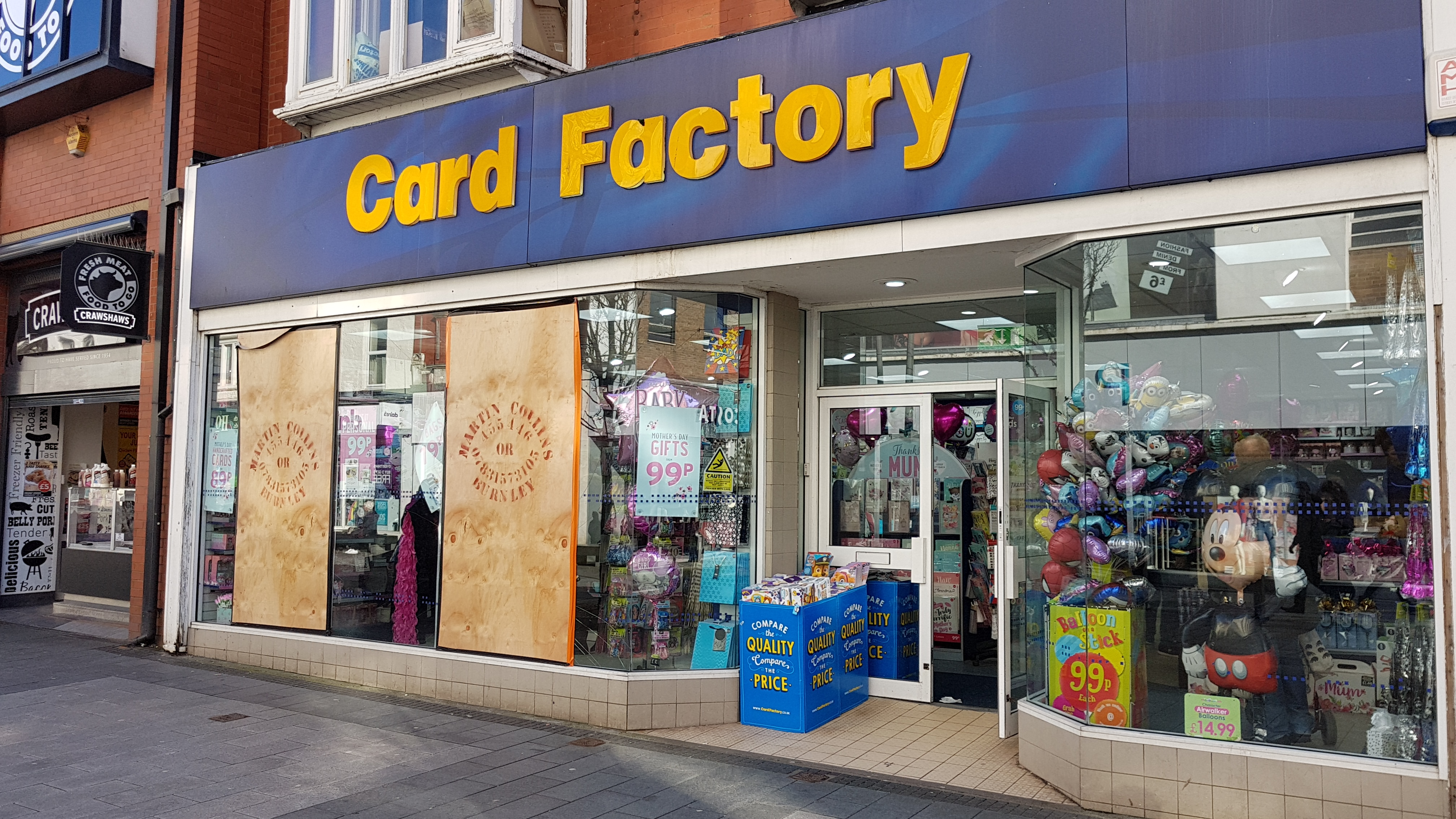Police are appealing for witnesses after the windows of the Card Factory in Chapel Street were smashed by mindless idiots last night.    Anyone with information is asked to call Merseyside police on 101 or Crimestoppers on 0800 555 111.