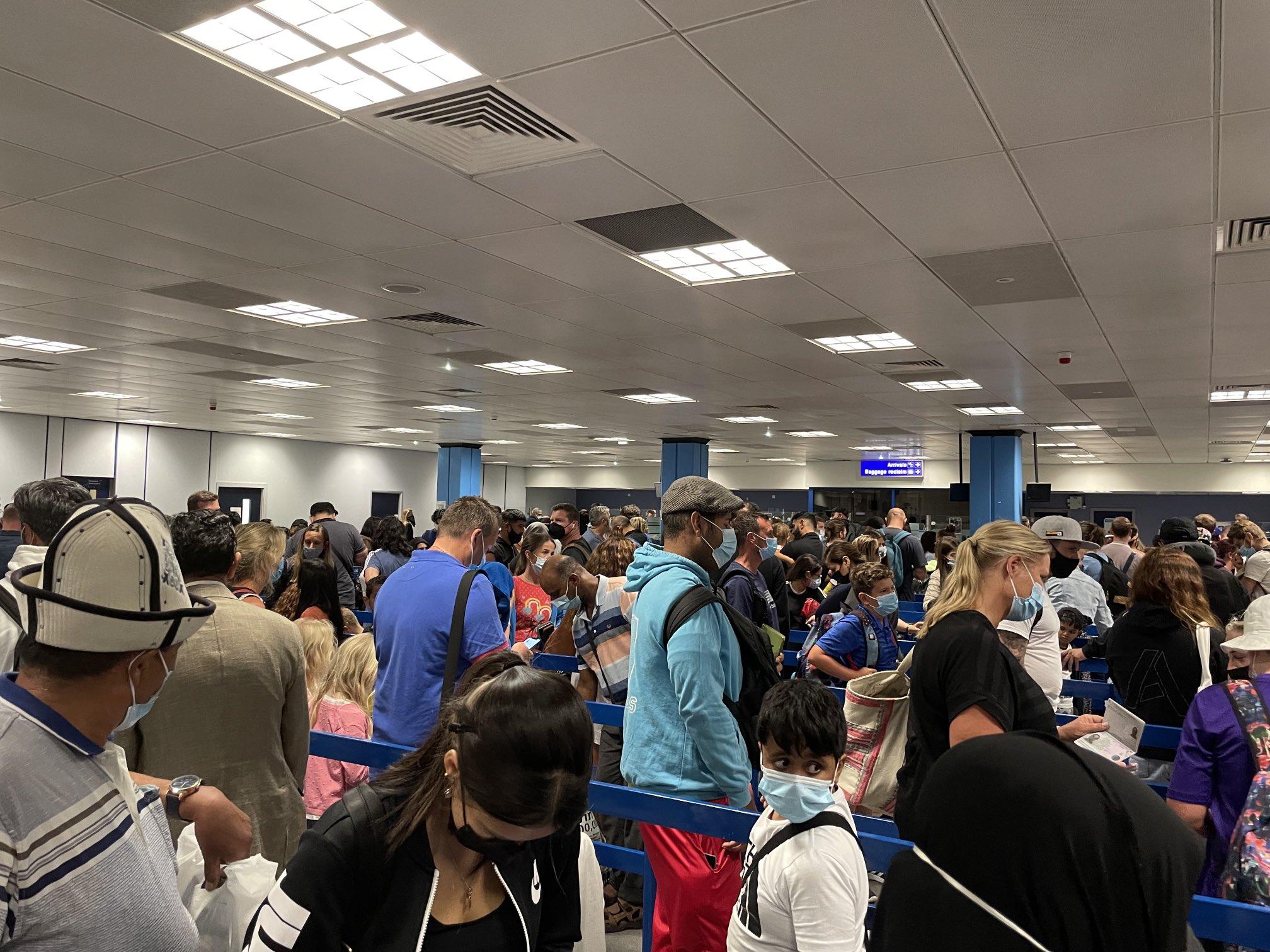 Name:  manchester-airport-q.jpg Views: 0 Size:  469.6 KB