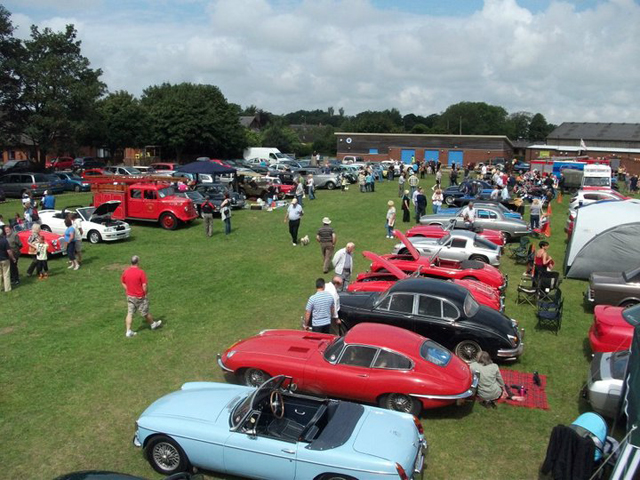 Lydiate Classic Car Show For Cancer Research UK - Car show england