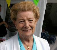 Coronation Street legend Jean Alexander's funeral will be a a private service, it has been confirmed.    Family and friends of the actress, who was best known for her role as Hilda Ogden, will say their final goodbyes in private.        Earlier this month, Jean passed away peacefully at the age of...