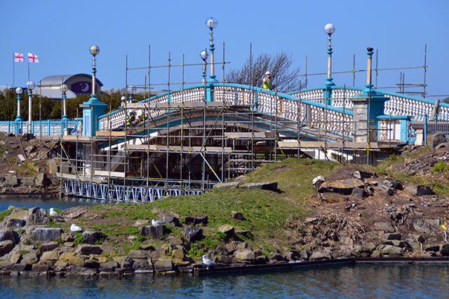 Work Starts On Kings Gardens Bridge