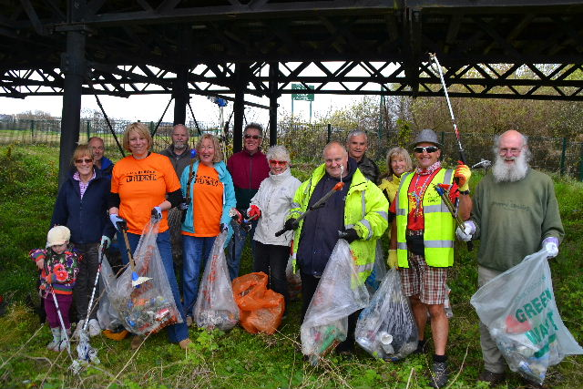 Southport Rubbish Friends are out on Sat 21st Jan at 10:30am to tackle the litter under the Pier-volunteers welcome.        Councillor Sue McGuire explained
